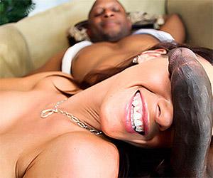 Fucking her drunken black neighbor - Milf Porn