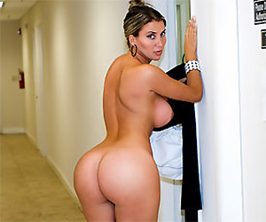 What are you waiting for sweetie? Come get me - Milf Porn