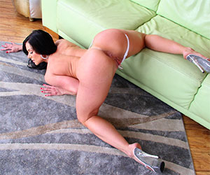 His mother in law is drunk and horny - Milf Porn